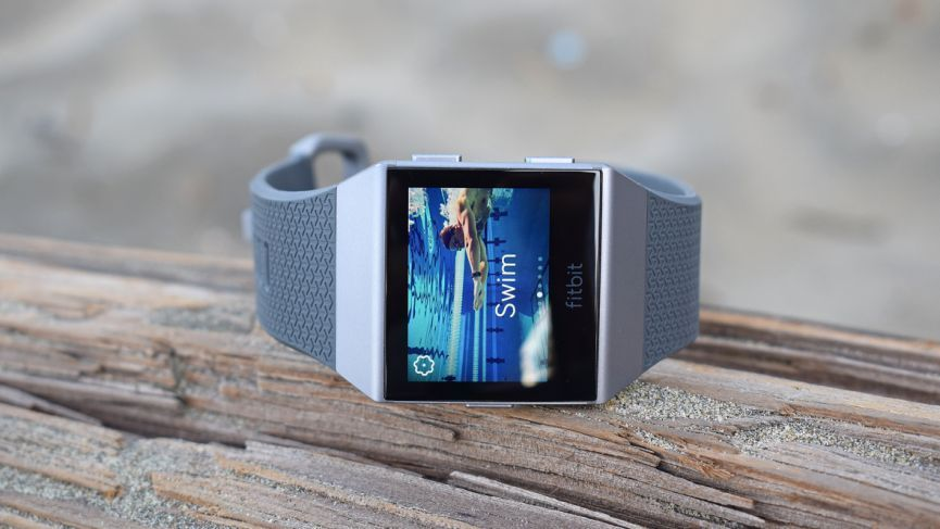pool length swimming accuracy fitbit